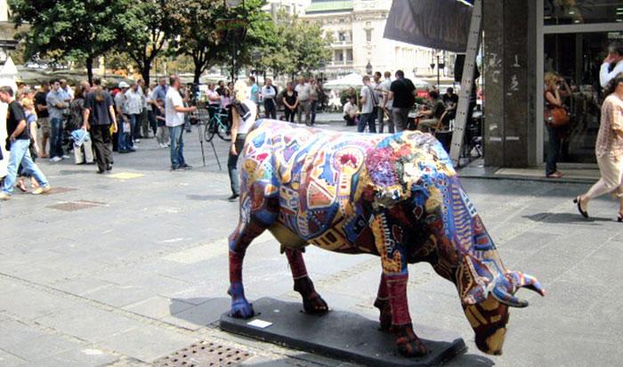 ▲ 베오그라드 시내에선 다양한 형태의 소 조각상을 만날 수 있다.