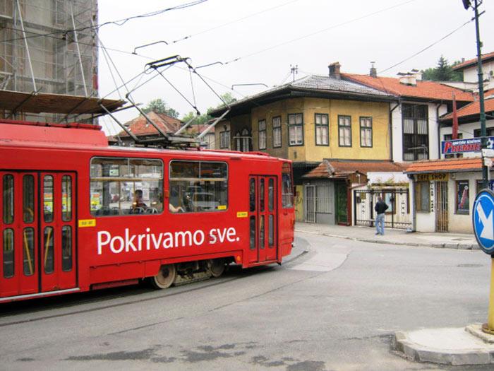 ▲ 보스니아의 수도 사라예보를 오가는 대중교통 수단 노면전차.