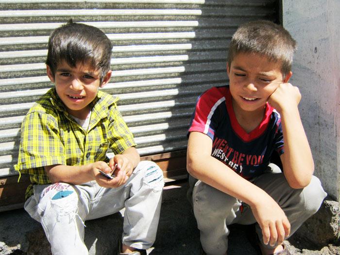 ▲ 슬픔과 학살의 역사와는 관계 없이 선량하게 자라는 보스니아의 아이들.