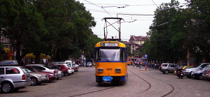 ▲ 노면전차가 한가롭게 오가는 불가리아의 한낮 풍경.