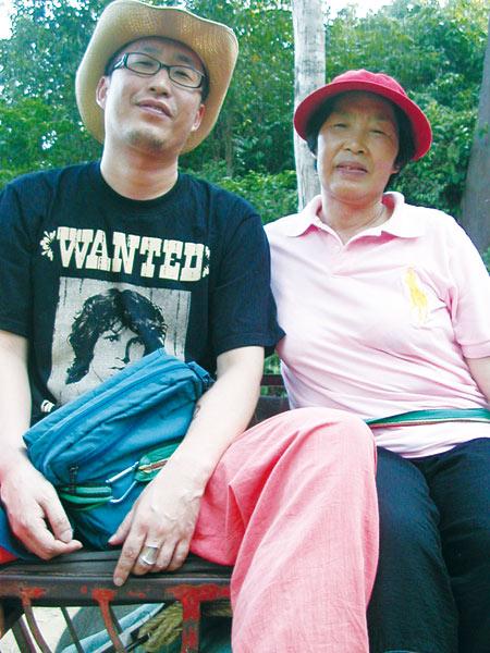 ▲ 여행지에서 엄마와 아들은 가끔 `친구`가 된다.