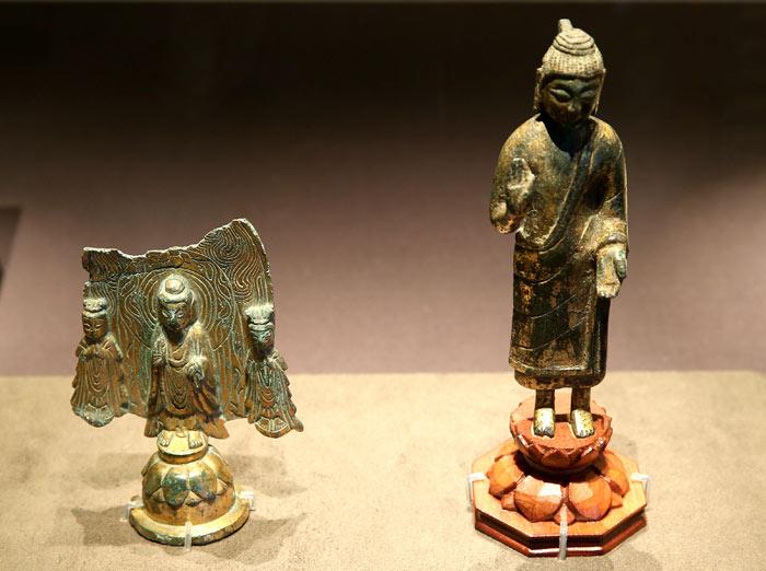 ▲ 신라가 불교를 받아들인 시기인 6세기에 제작된 것으로 추정되는 불상.