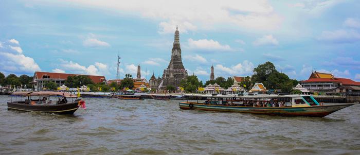 ▲ 차오프라야강을 오가는 배에서 바라본 `왓 아룬`의 아름다운 풍경.