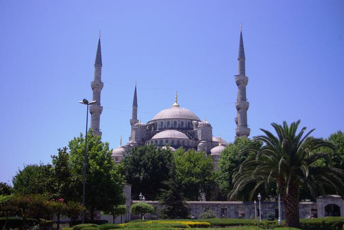 ▲ 이스탄불을 상징하는 건물 중 하나인 블루 모스크.