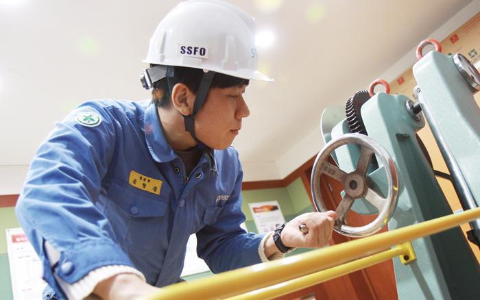 ▲ 선린대학교 제철산업계열은 전문 교수진과 융합형 기술교육 등으로 학생들의 직무역량을 강화하고 있다.<br /><br /> /선린대 제공
