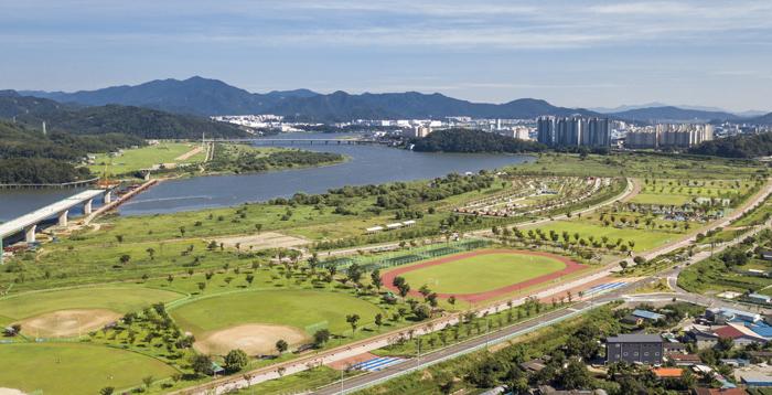 ▲ 구미낙동강체육공원 모습. 다양한 스포츠와 휴양시설을 갖추고 있다.