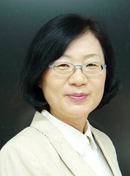 ▲ 임선애<br /><br />대구가톨릭대 교수·한국어문학부
