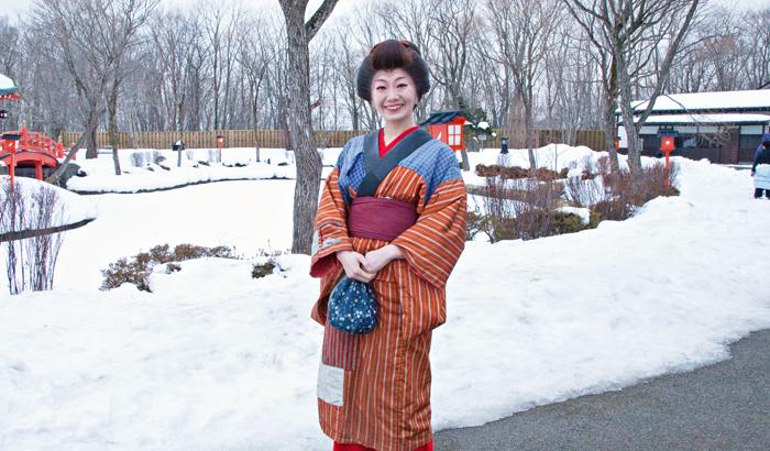 ▲ 눈 내린 홋카이도 거리에서 만난 일본 여성.