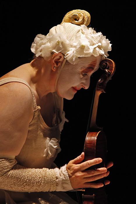 ▲ 포항문화재단의 기획공연 '캐나다에서 찾아온 바이올린 할머니'.