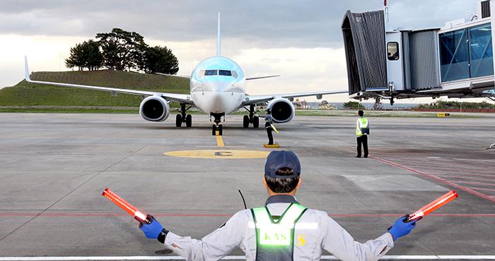 ▲ 포항공항에 재취항한 대한항공 여객기가 이륙을 준비하고 있다.  /포항시 제공