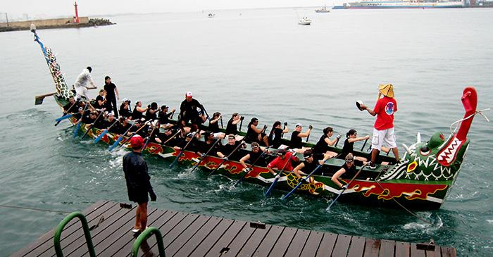 ▲ 일본 오키나와에선 관광객을 반기는 흥겨운 축제가 자주 열린다.