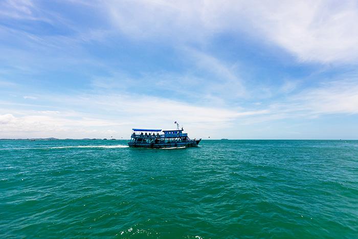 ▲ 아름다운 푸른 보석의 색채로 빛나는 태국 바다. 그러나, 그 바다에는 눈물도 섞여 있다.